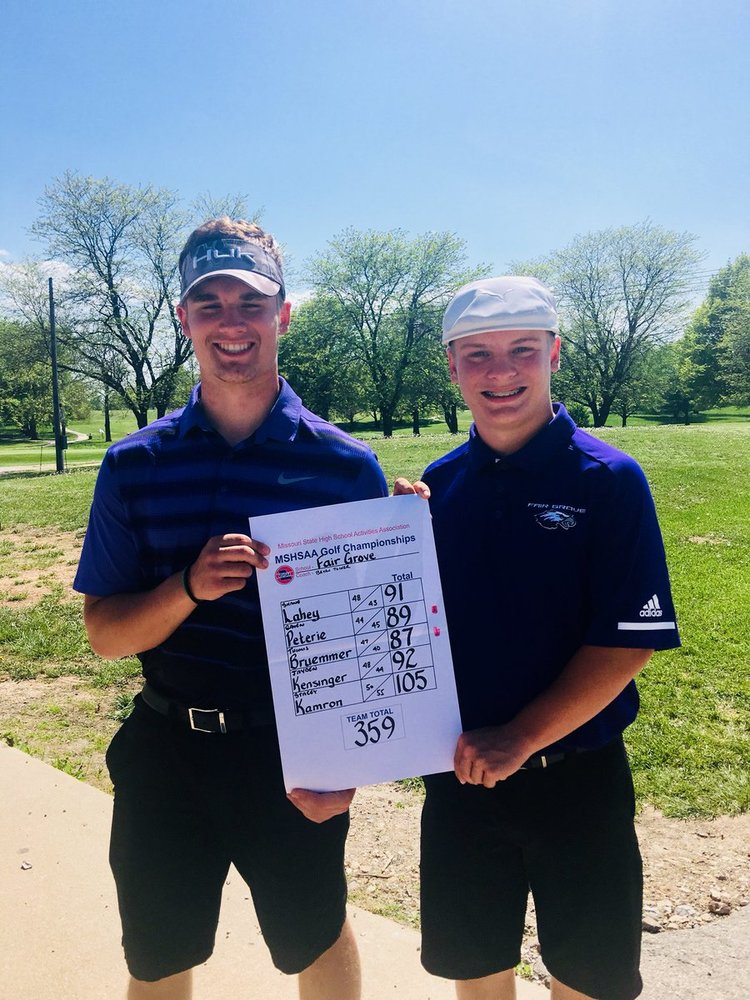 Bruemmer & Peterie Qualify for State in Golf